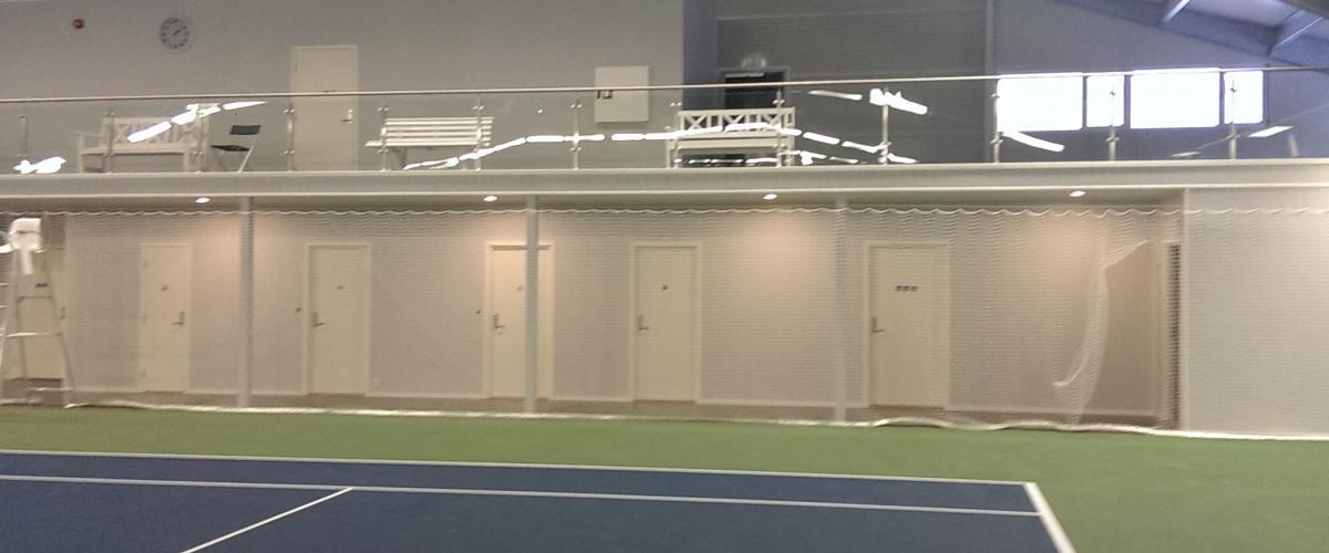 Innendørs tennisbane