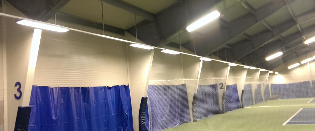 Innendørs tennishall, flere baner