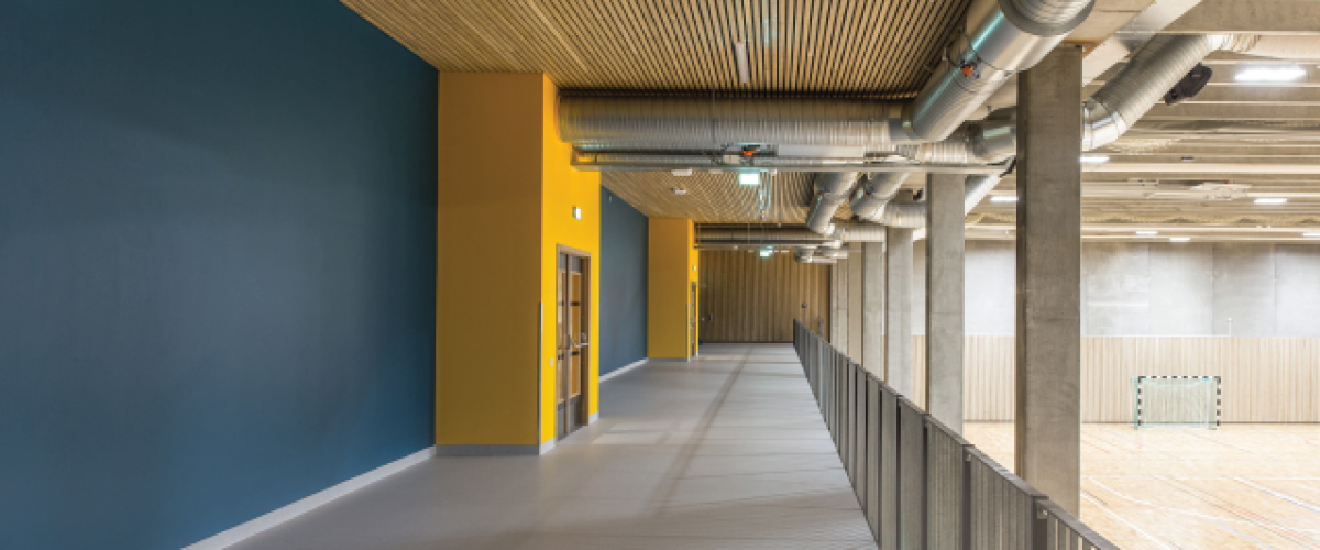 Korridor over innendørshall