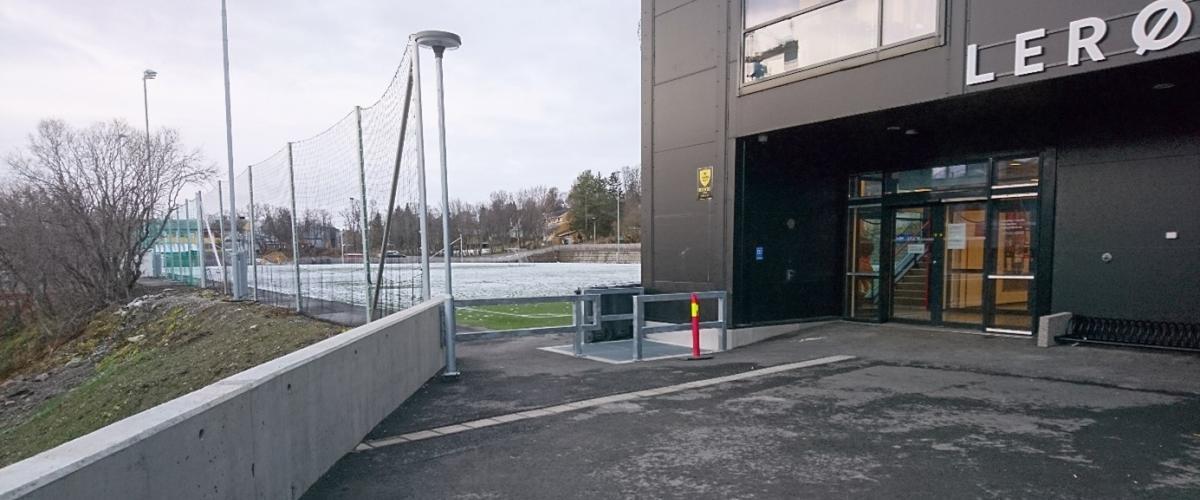 Inngangen til Lerøyhallen