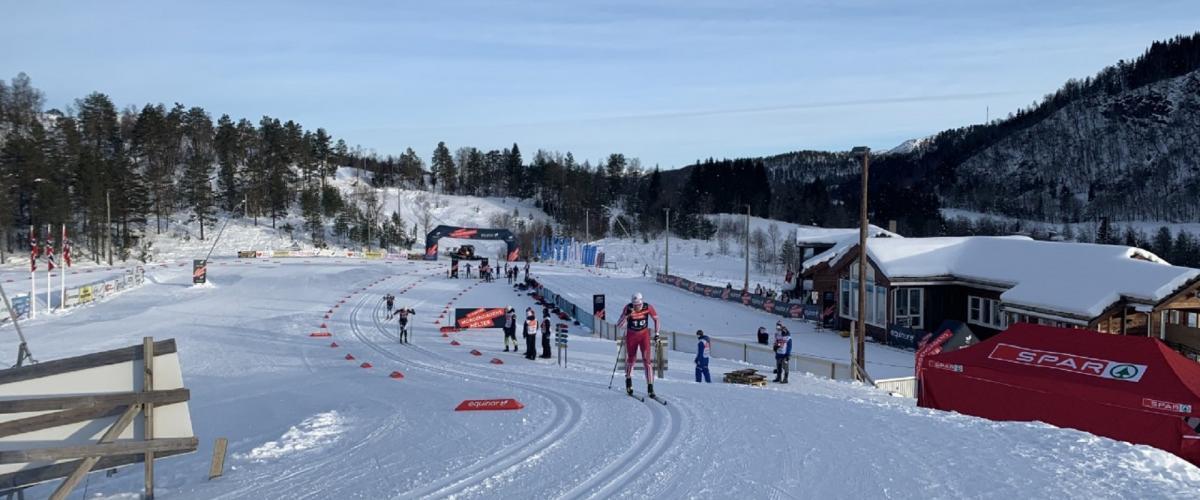 Norescuprenn i fint vêr og gode snøforhald på skiarenaen
