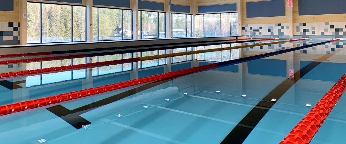 Store vindusflater i Skattekista svømmehall