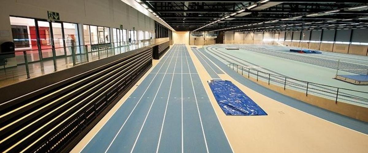 Friidrettshallen i Bærum idrettspark. Foto: Trond Joelson, Byggeindustrien