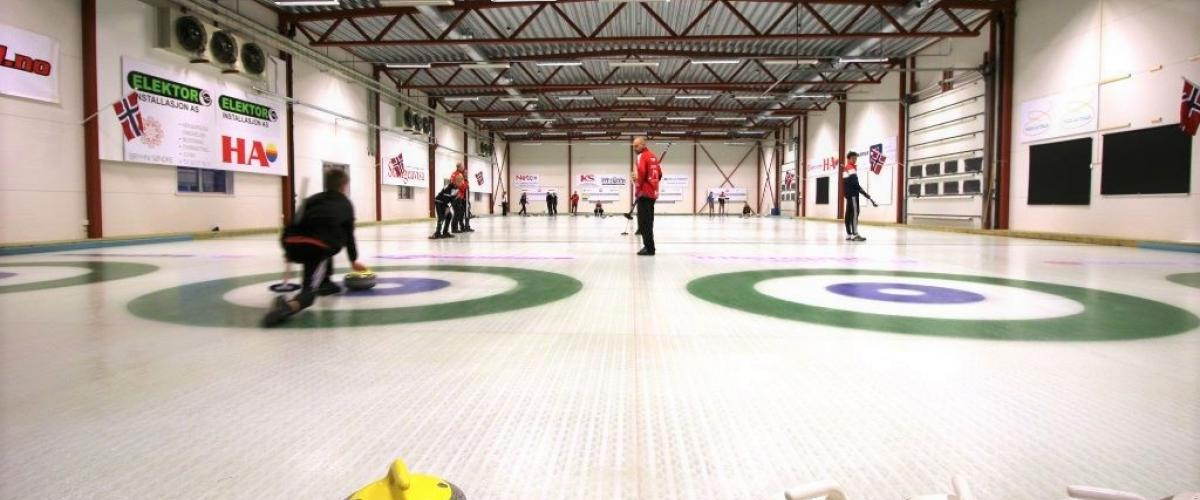 Curlingkamp i Stange curlinghall